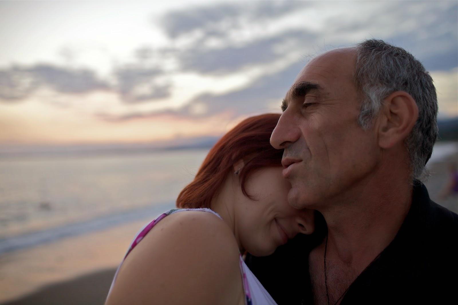 Kameraleute helle Dating-Geschichte Fishy Dating-Website